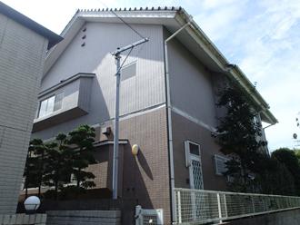 外壁の汚れが気になり点検を検討したタイル調サイディング外壁の住宅