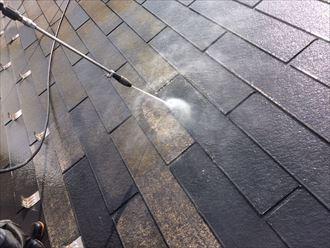 高圧洗浄による苔やカビの除去