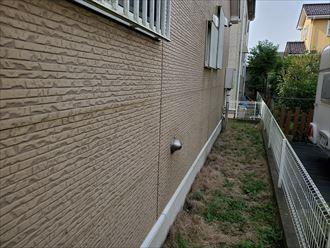 サイディングの防水性が低下し苔や汚れが付着