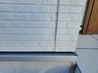 窯業系サイディング外壁の目地劣化の様子