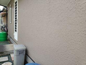 八千代市八千代台東にてヘアクラックが発生しているモルタル外壁調査