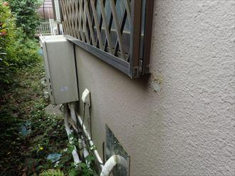 四街道市みそらで行った築25年が経過した外壁調査で塗膜の剥離を発見