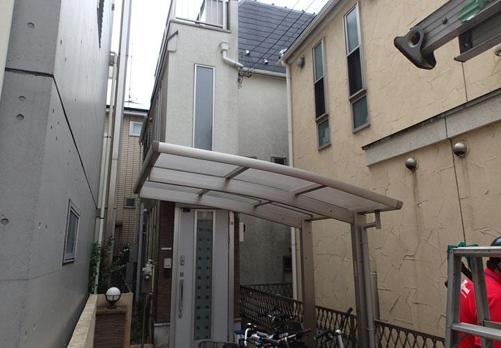 屋根・外壁の塗装工事を検討している邸宅