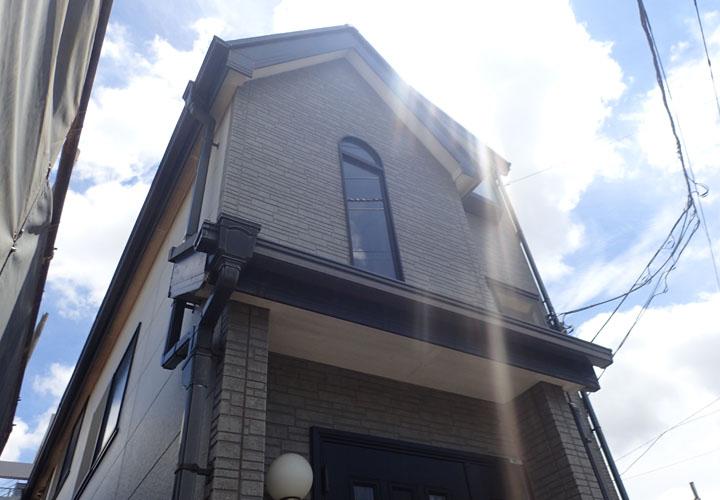 築20年、初めての外壁塗装を検討している住宅