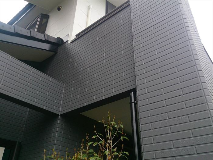 四街道市 外壁塗装に使用する塗料と色選び 艶には関係があります 千葉の外壁塗装 屋根塗装 塗り替えは街の外壁塗装やさん千葉本店へ