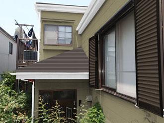 外壁:22-70D 屋根スーパーガルテクト シェイドブラウン