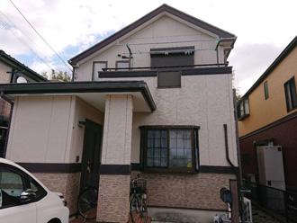 外壁塗装と屋根カバー工法を検討している邸宅