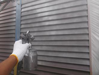 雨戸 錆止め塗料を吹き付け塗装