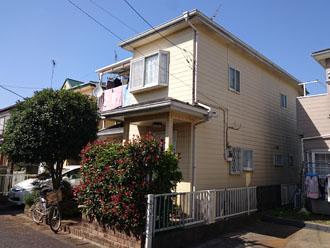 築24年で、10年前に屋根・外壁塗装を行い、今回2度目のメンテナンスを検討している2階建て住宅
