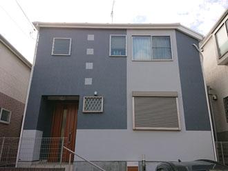 パーフェクトトップND-013 ND-102で外壁塗装を行った2階建てのモルタル外壁住宅