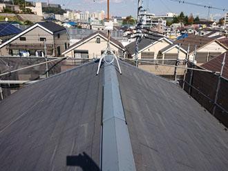 築11年になる2階建て住宅のスレート屋根②