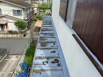 瓦棒屋根、塗膜浮き