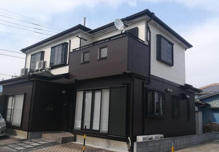 ファイン4Fセラミックで外壁塗装を行ったツートンカラー住宅