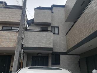 屋根塗装と外壁塗装を検討している3階建て住宅
