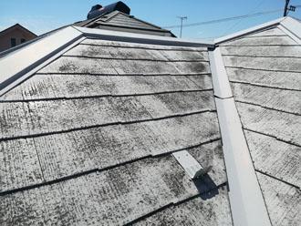塗膜の劣化が著しいスレート屋根