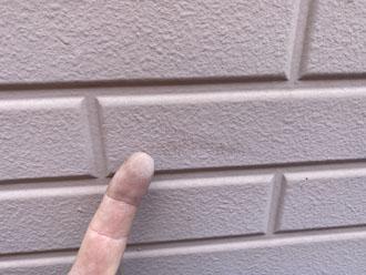 窯業系サイディング外壁のチョーキング現象