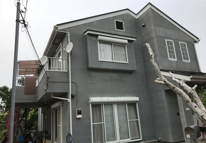 屋根のメンテナンスをきっかけに外壁の塗装を検討されたお客様邸
