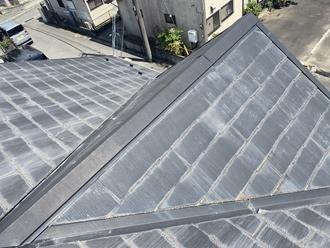 千葉市稲毛区小深町にてメンテナンス時期のスレート屋根、屋根塗装工事