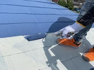 市川市国分にてサーモアイSiでスレート屋根を部分塗装工事を行います
