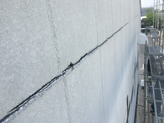 ALC外壁の横目地から雨漏り