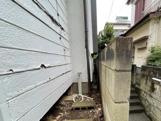 増築部分の外壁で捲れてしまっている箇所は張り替えましょう