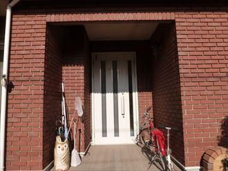 玄関周りのタイル