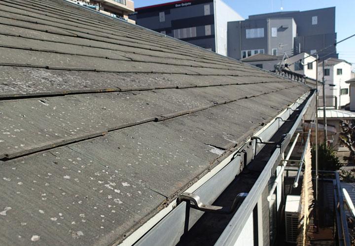 経年劣化で表面が剥がれてきたパミール屋根