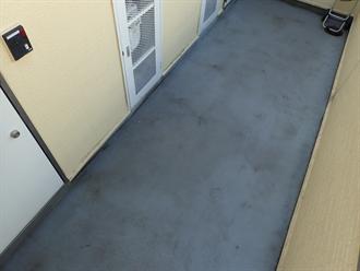 アパート外廊下