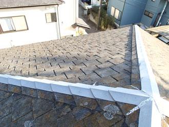 苔やカビが発生したスレート屋根