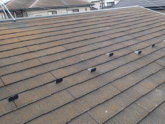 スレート屋根に苔が発生