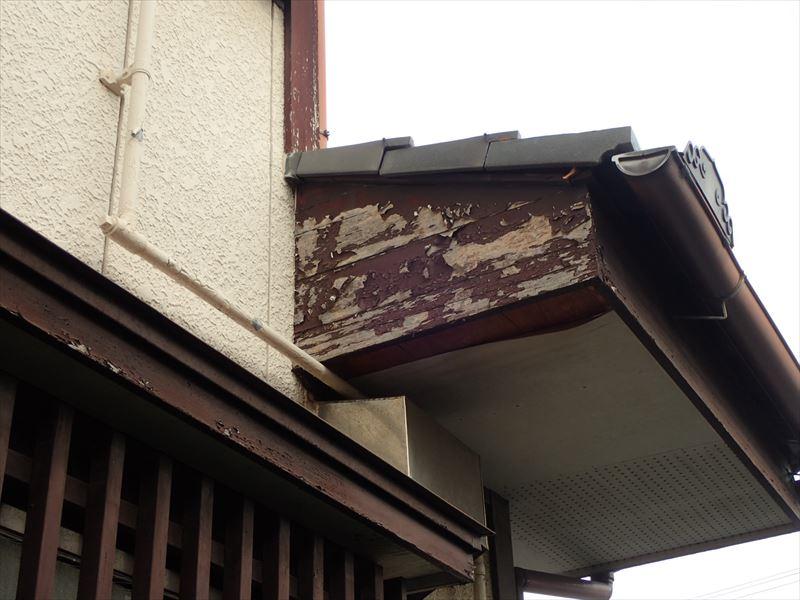 袖ケ浦市代宿 破風板の塗料の剥がれ