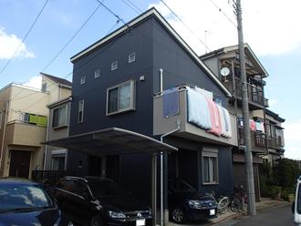 化粧スレート屋根に亀裂が入り、屋根塗装を検討している住宅