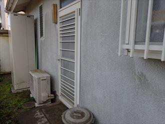 習志野市藤崎にて苔が発生しているモルタル外壁のメンテナンスのご相談