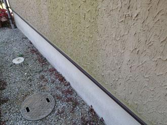 藻が発生した西側の外壁