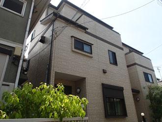 築11年で初めて屋根・外壁塗装を検討している3階建て住宅