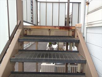 階段鉄部の錆