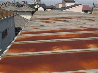 緩勾配の瓦棒屋根