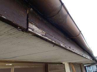 破風板や軒天の傷み具合