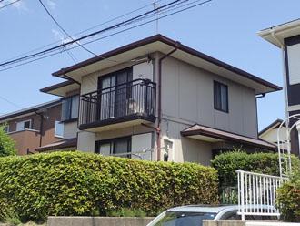 築20年になり屋根塗装と外壁塗装を検討している2階建て住宅