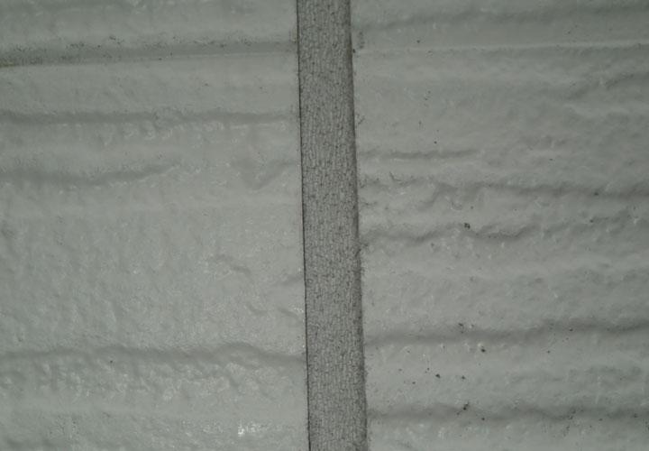 窯業サイディング外壁 目地の劣化 亀裂