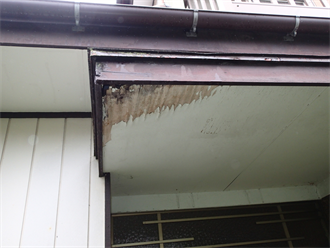 軒天の雨漏り腐食
