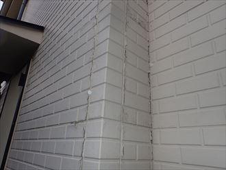 千葉市稲毛区園生町にてひび割れが発生しているサイディング外壁の調査