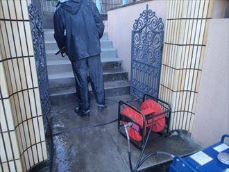 玄関周辺高圧洗浄