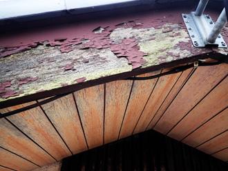破風板の塗膜も劣化