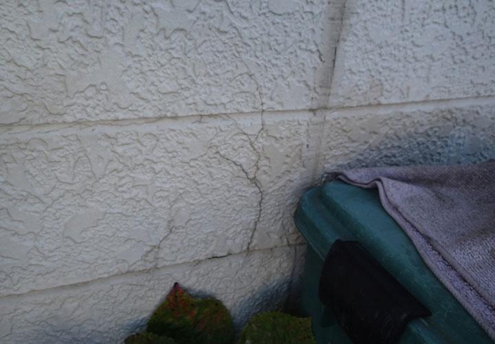 サイディング外壁のクラック
