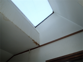 天窓が原因ではない雨漏り