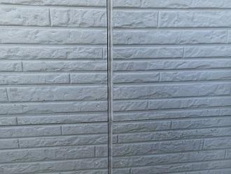 サイディング外壁のシーリングが剥離しています