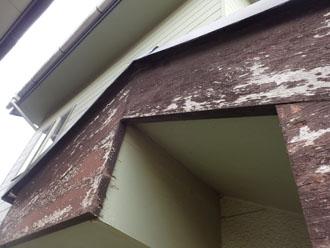 木材 破風板の劣化 寄り写真