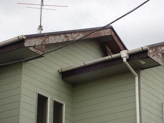 木材 破風板の劣化 引き写真