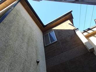 モルタル外壁に汚れの付着